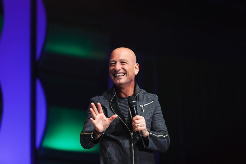 celebrity photography of howie mandel