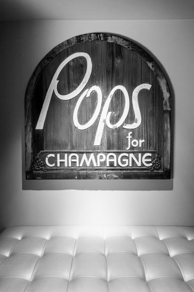 high quality restaurant photography of pops chicago