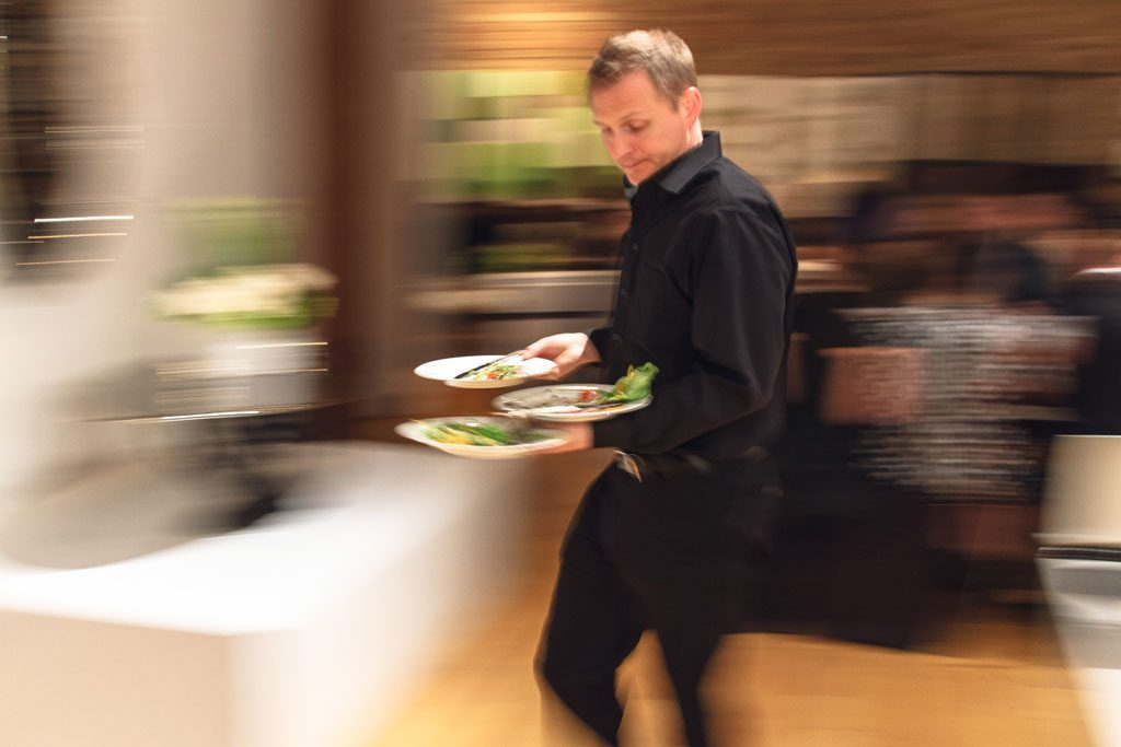 image of waiter at chicago restaurant